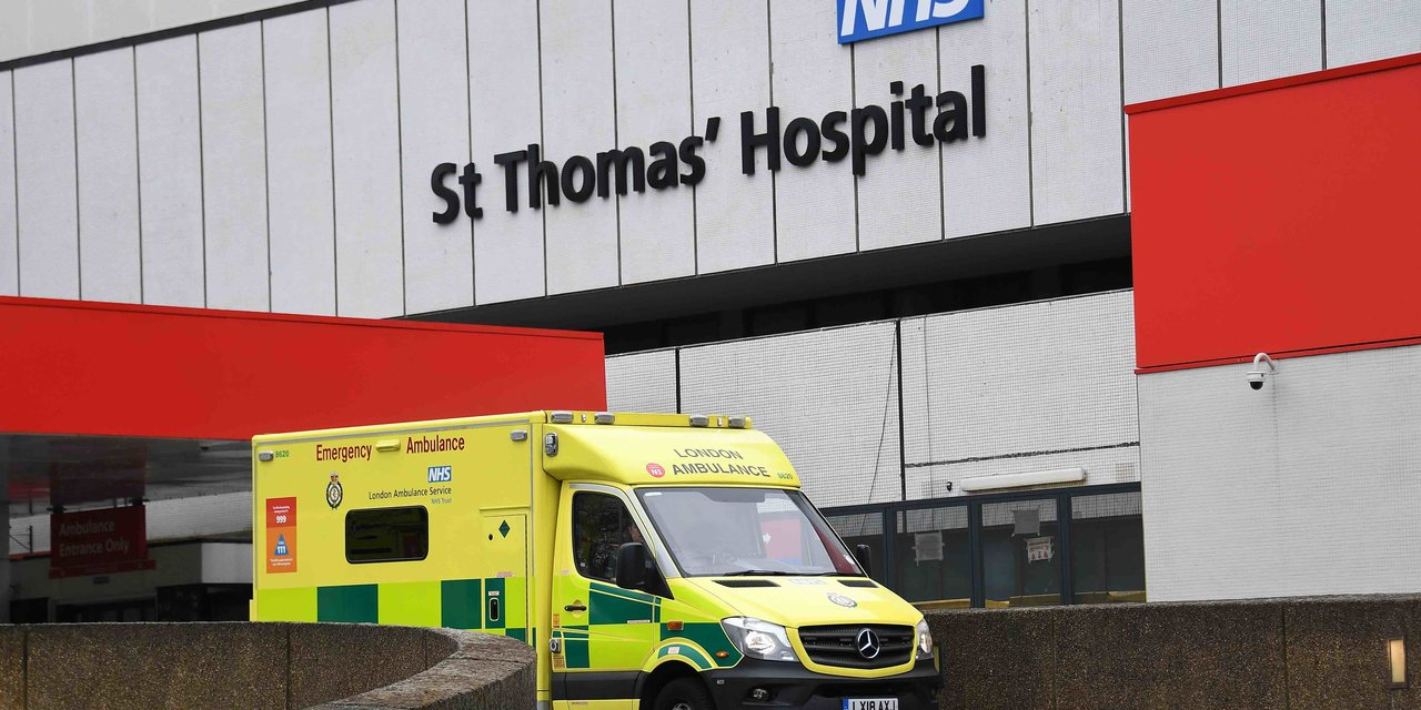 London (United Kingdom), 06/04/2020.- St.Thomas's Hospital in London, Britain, 06 April, 2020. According to news reports British Prime Minister Boris Johnson is being treated for Coronavirus at St.Thomas's. Countries around the world are taking increased measures to stem the widespread of the SARS-CoV-2 coronavirus which causes the Covid-19 disease. (Reino Unido, Londres) EFE/EPA/ANDY RAIN